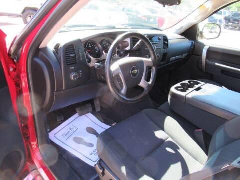 2013 Chevrolet Silverado 1500 for sale at Aztec Motors in Des Moines IA