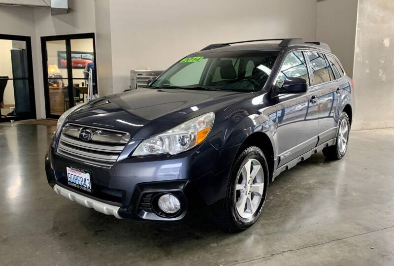 2014 Subaru Outback for sale at TOWNE AND COUNTRY MOTORS in Woodinville WA