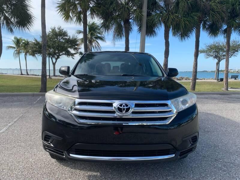 2013 Toyota Highlander for sale at Auto Outlet of Sarasota in Sarasota FL