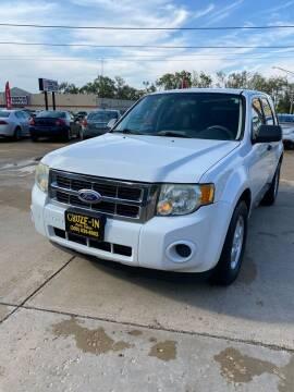 2010 Ford Escape for sale at Cruze-In Auto Sales in East Peoria IL