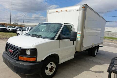 2012 GMC Savana Cutaway for sale at Universal Credit in Houston TX