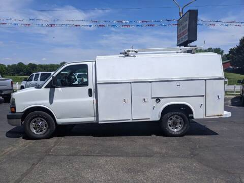 2004 Chevrolet Express Cutaway for sale at GREAT DEALS ON WHEELS in Michigan City IN