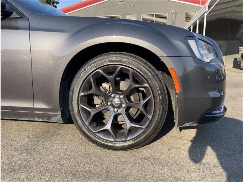 2019 Chrysler 300 for sale at Carros Usados Fresno in Fresno CA