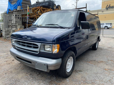 2001 Ford E-Series Cargo for sale at Drive Deleon in Yonkers NY