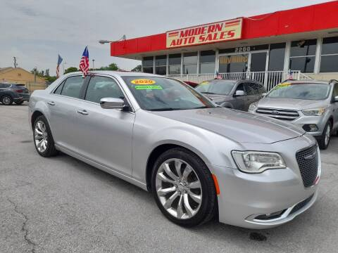 2020 Chrysler 300 for sale at Modern Auto Sales in Hollywood FL