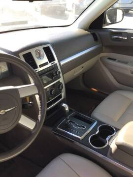 2008 Chrysler 300 for sale at Stewart's Motor Sales in Cambridge/Byesville OH