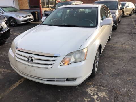2007 Toyota Avalon for sale at Best Deal Motors in Saint Charles MO