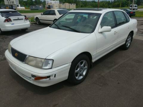 1997 Toyota Avalon for sale at RIDE NOW AUTO SALES INC in Medina OH