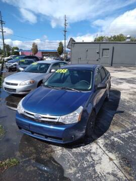2009 Ford Focus for sale at D and D All American Financing in Warren MI