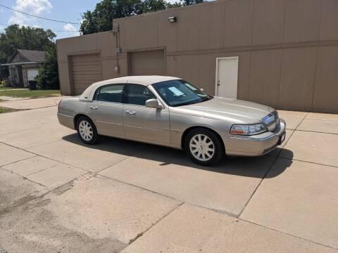 2011 Lincoln Town Car for sale at McPherson Car Connection LLC in Mcpherson KS