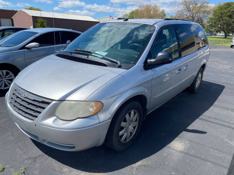 2005 Chrysler Town and Country for sale at MARK CRIST MOTORSPORTS in Angola IN
