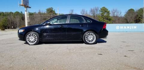 2011 Volvo S40 for sale at Tennessee Valley Wholesale Autos LLC in Huntsville AL