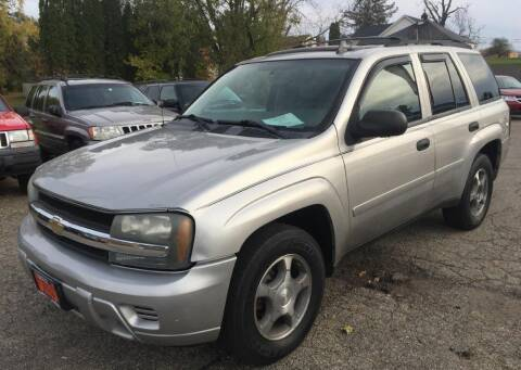 2007 Chevrolet TrailBlazer for sale at Knowlton Motors, Inc. in Freeport IL