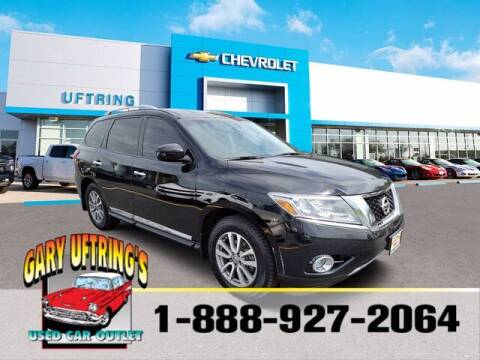 2014 Nissan Pathfinder for sale at Gary Uftring's Used Car Outlet in Washington IL