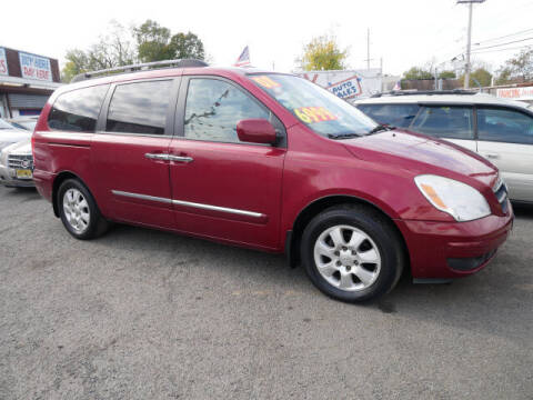 2008 Hyundai Entourage for sale at MICHAEL ANTHONY AUTO SALES in Plainfield NJ