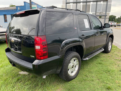 2009 Chevrolet Tahoe for sale at LAURINBURG AUTO SALES in Laurinburg NC
