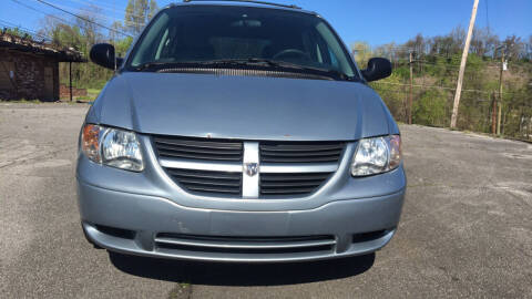 2005 Dodge Caravan for sale at Car ConneXion Inc in Knoxville TN