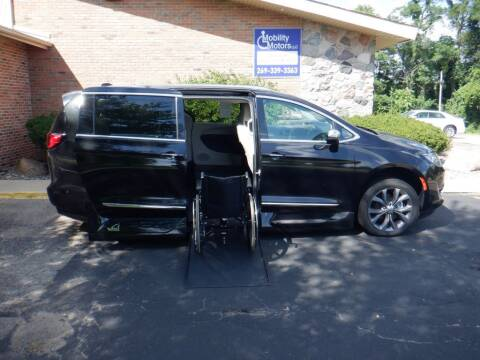 2019 Chrysler Pacifica for sale at Mobility Motors LLC - A Wheelchair Van in Battle Creek MI