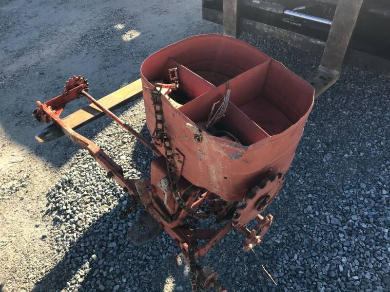 Allis Chalmer G Corn Planter Attachment for sale at Vehicle Network - Joe's Tractor Sales in Thomasville NC