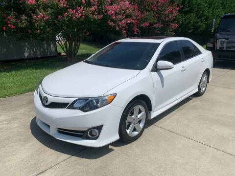 2014 Toyota Camry for sale at Getsinger's Used Cars in Anderson SC