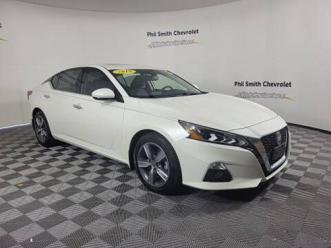 2019 Nissan Altima for sale at PHIL SMITH AUTOMOTIVE GROUP - Phil Smith Chevrolet in Lauderhill FL