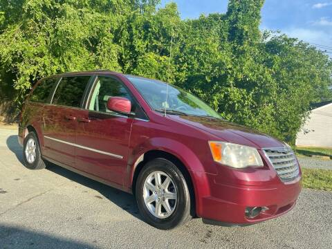 2009 Chrysler Town and Country for sale at Pristine AutoPlex in Burlington NC