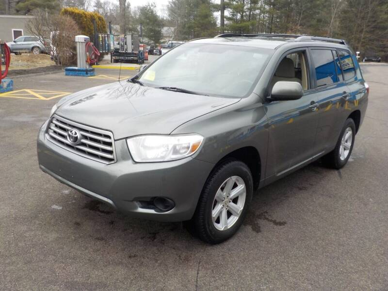 2010 Toyota Highlander for sale at RTE 123 Village Auto Sales Inc. in Attleboro MA