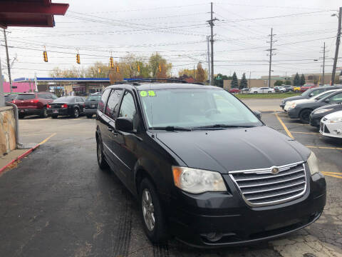 2008 Chrysler Town and Country for sale at Drive Max Auto Sales in Warren MI