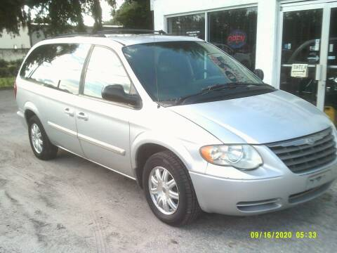2005 Chrysler Town and Country for sale at ROYAL MOTOR SALES LLC in Dover FL