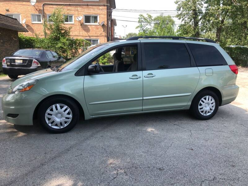 2008 Toyota Sienna for sale at Midland Commercial. Chicago Cargo Vans & Truck in Bridgeview IL