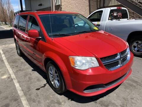 2013 Dodge Grand Caravan for sale at AUTO NATIX in Tulare CA