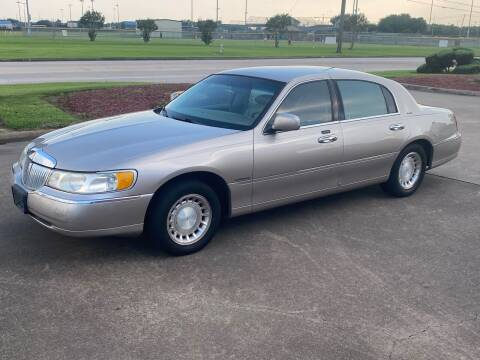 2000 Lincoln Town Car for sale at M A Affordable Motors in Baytown TX