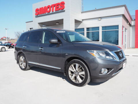 2014 Nissan Pathfinder for sale at SIMOTES MOTORS in Minooka IL