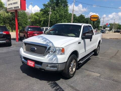 2005 Ford F-150 for sale at Parkside Auto Sales & Service in Pekin IL