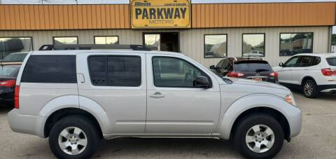 2012 Nissan Pathfinder for sale at Parkway Motors in Springfield IL