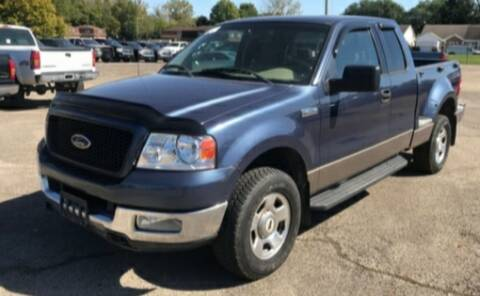 2004 Ford F-150 for sale at BSA Pre-Owned Autos LLC in Hinton WV