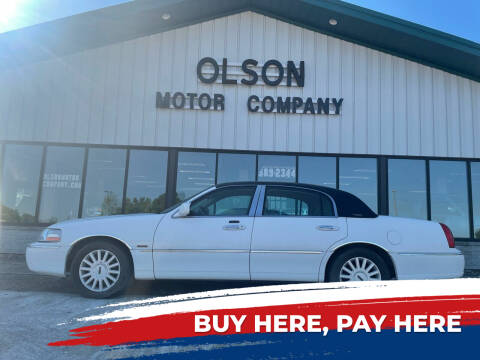 2005 Lincoln Town Car for sale at Olson Motor Company in Morris MN
