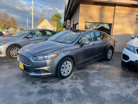 2013 Ford Fusion for sale at AFFORDABLE AUTO, LLC in Green Bay WI