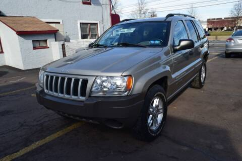 2004 Jeep Grand Cherokee for sale at L&J AUTO SALES in Birdsboro PA