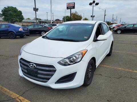 2017 Hyundai Elantra GT for sale at Auto Connection in Manassas VA