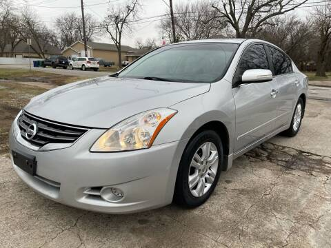 2010 Nissan Altima for sale at Texas Select Autos LLC in Mckinney TX