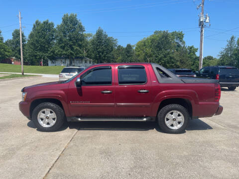 2008 Chevrolet Avalanche for sale at Truck and Auto Outlet in Excelsior Springs MO
