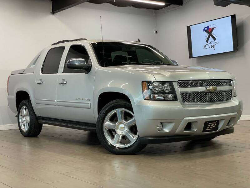2011 Chevrolet Avalanche for sale at TX Auto Group in Houston TX