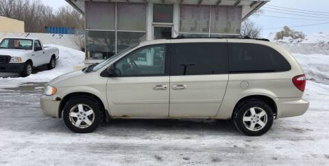 2005 Dodge Grand Caravan for sale at Velp Avenue Motors LLC in Green Bay WI