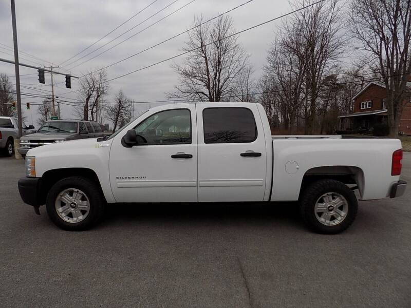 2011 Chevrolet Silverado 1500 Hybrid for sale at SUMMIT TRUCK & AUTO INC in Akron NY