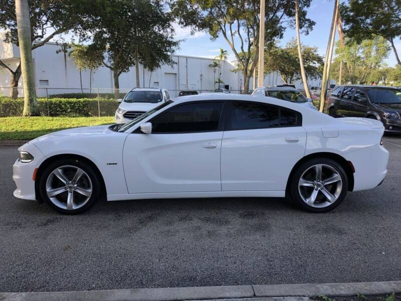 2017 Dodge Charger R/T 4dr Sedan - Davie FL