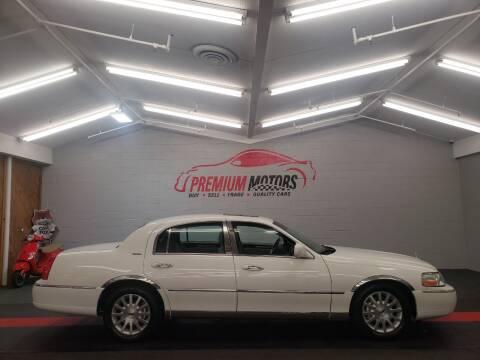 2006 Lincoln Town Car for sale at Premium Motors in Villa Park IL