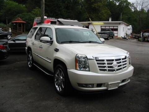 2009 Cadillac Escalade for sale at Southern Used Cars in Dobson NC