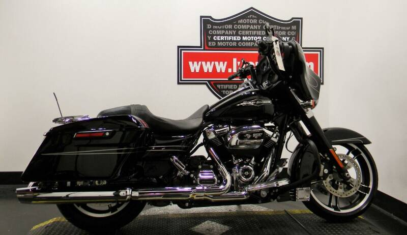 2019 Harley-Davidson Street Glide for sale at Certified Motor Company in Las Vegas NV