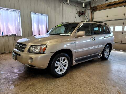 2007 Toyota Highlander Hybrid for sale at Sand's Auto Sales in Cambridge MN